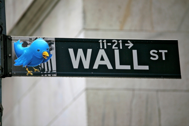 twttr-bird-on-wall-st
